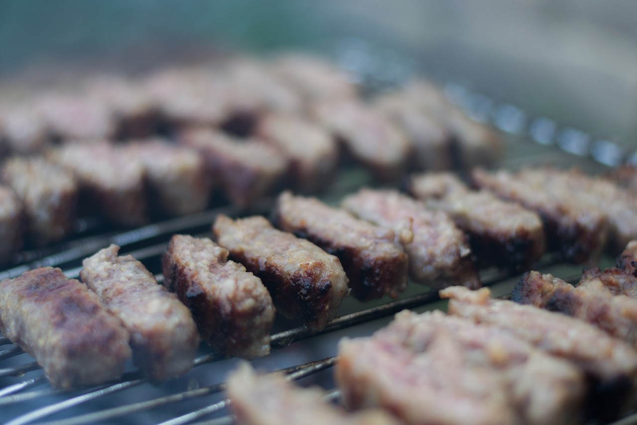 Serbian cevapcici on the grill - free food-drink images to use - serbia, meat, grill, BBQ