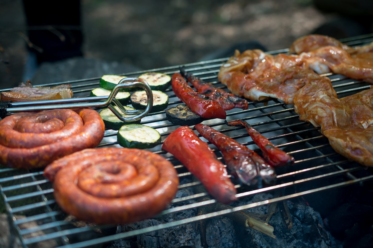 BBQ Chicken Meat with Vegetables & Sausages