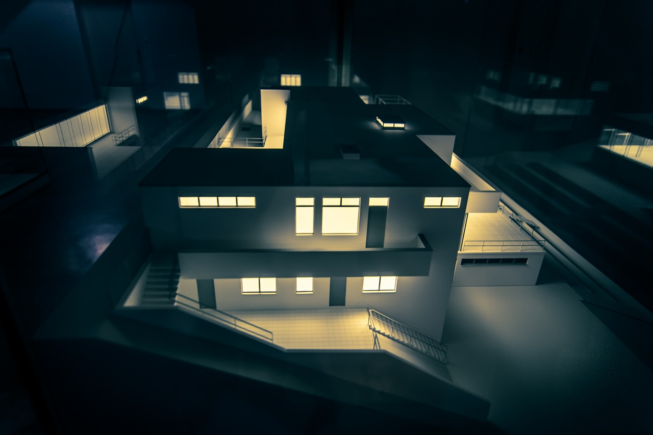 Villa Tugendhat Model Behind Glass #2 - free architecture images to use - tugendhat
