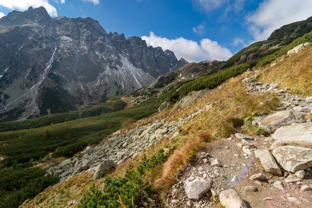 Hiking in the High Tatras - free nature images to use - mountains, landscape, high tatras, grass, autumn