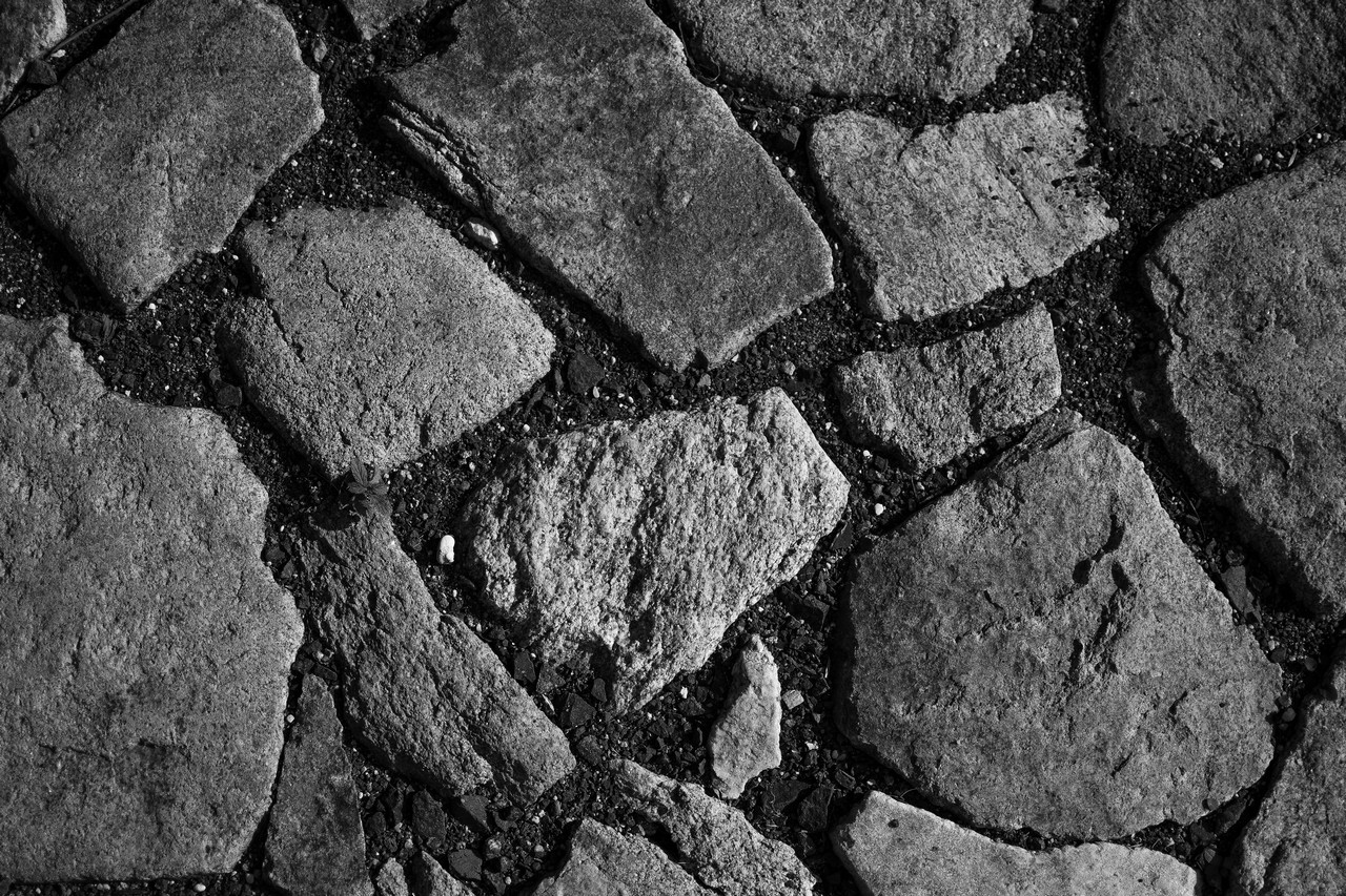 B&W Stone pavement